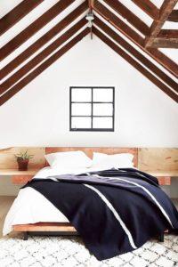 Спалня - дървен таван